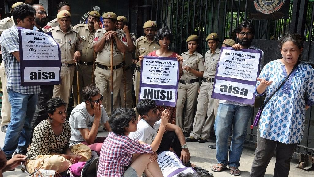 AISA and JNUSU stage a demonstration against JNU rape case outside Delhi police headquarters in New Delhi on 25 August, 2016. (Photo: IANS)