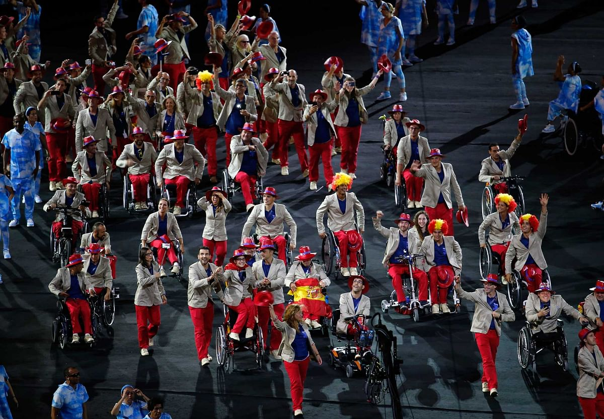 The delegation from Spain enters the stadium during the opening ceremony of the Rio 2016 Paralympic games. (Photo: AP)