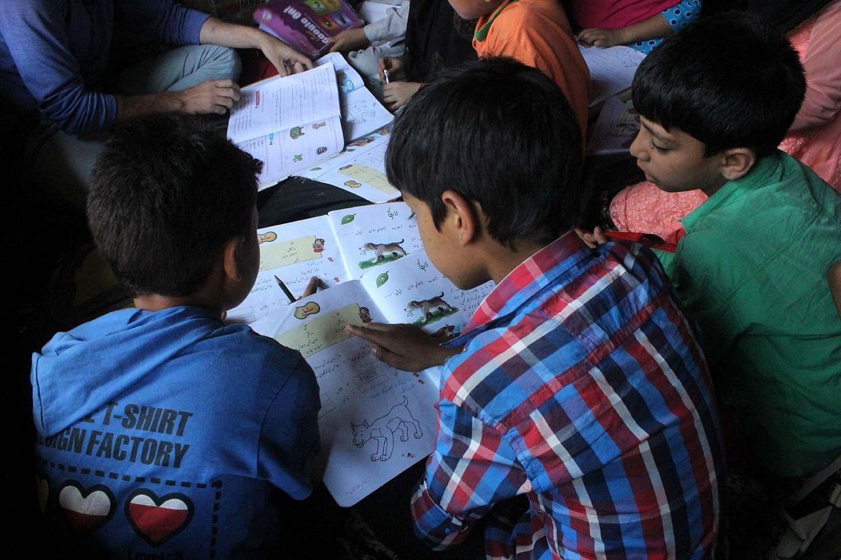 Students studying in Kashmir's 'curfew schools.' (Photo Courtesy: Muneeb Ul-Islam)