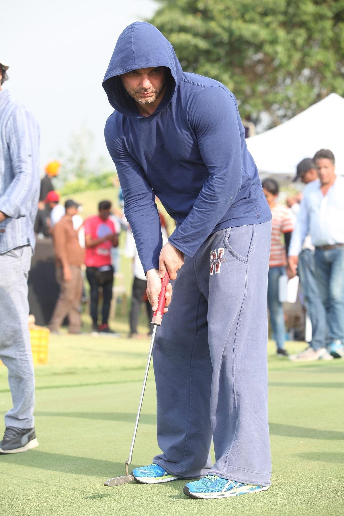 Sohail enjoys a game of golf. (Photo Courtesy: Sohail Khan Productions)