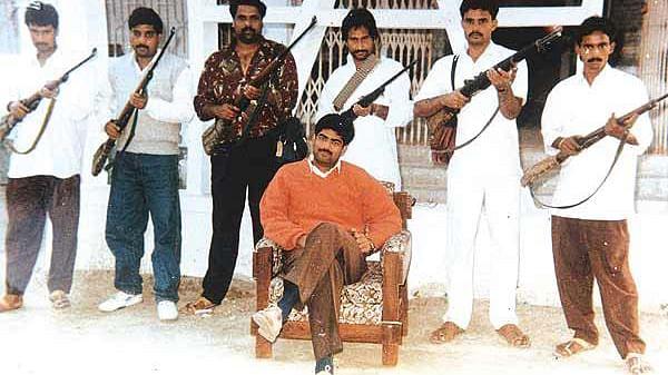 "File photo of former Rashtriya Janata Dal strongman Mohammad Shahabuddin (centre) with his armed gunmen. (Photo: <a href=""http://www.vebidoo.com/mohammad+shahabuddin"">Vebidoo</a>)"