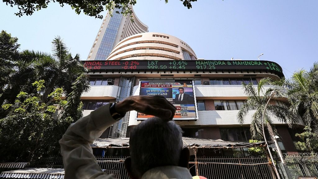 Markets in Red: Sensex Down 674.36 Pts to 27,590.95, Nifty Over 8k