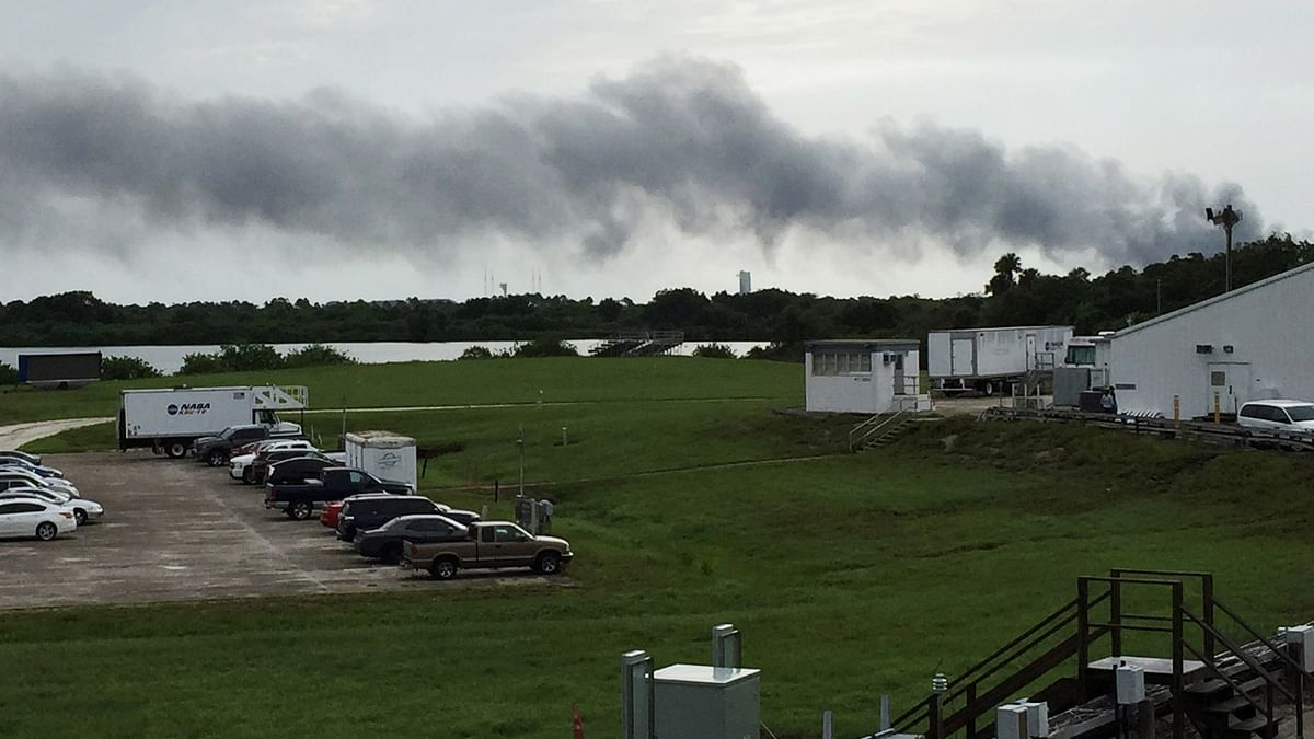 Smoke rises from a SpaceX launch site Thursday, 1 Sept 2016, at Cape Canaveral, Fla NASA said SpaceX was conducting a test firing of its unmanned rocket when a blast occurred. (Photo: AP)