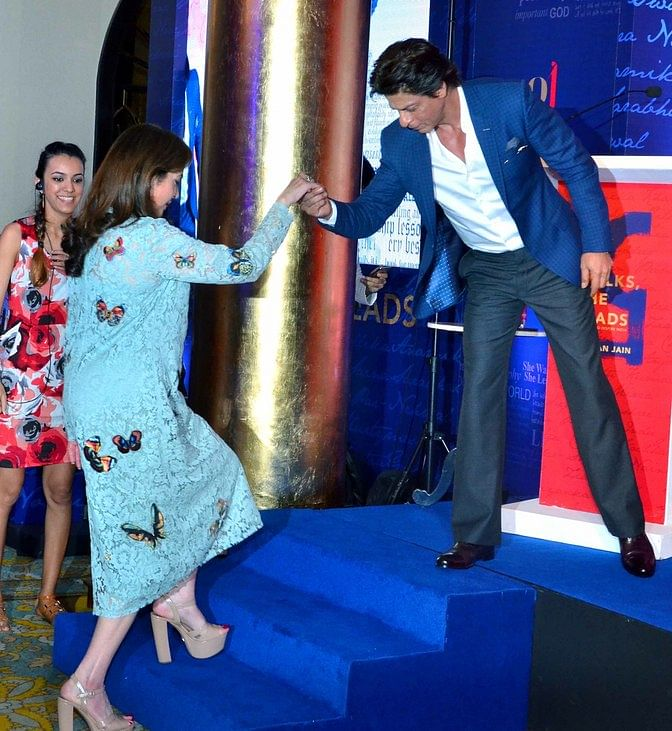 SRK at an event with Nita Ambani. (Photo: Yogen Shah)