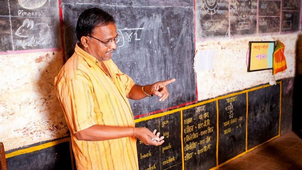 A teacher taking classes in a Hindi medium school. (Photo: iStock)