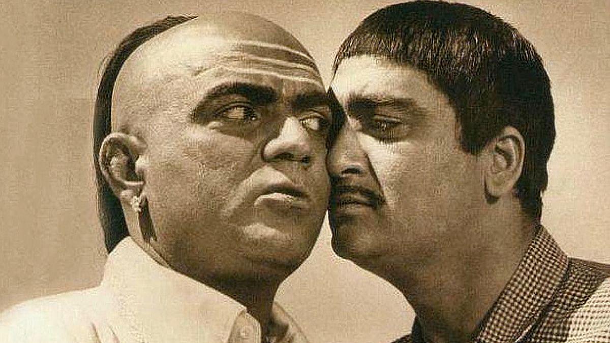 Mehmood with Sunil Dutt in a still from <i>Padosan</i>. &nbsp;