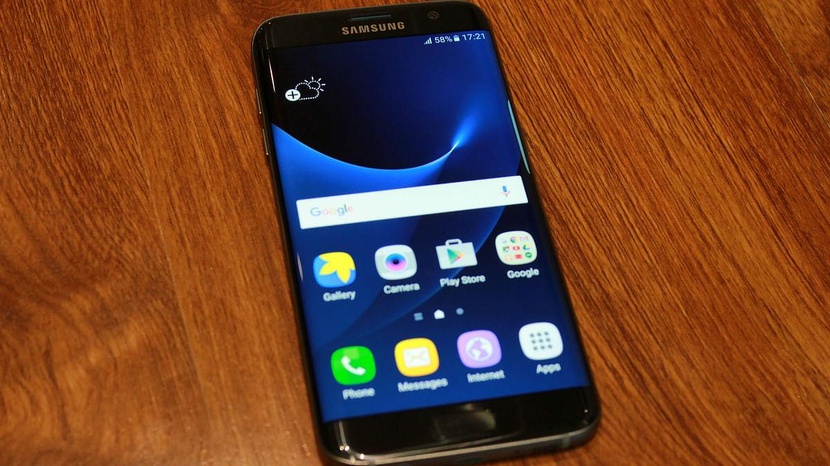 Samsung Galaxy S7 Edge. (Photo: <b>The Quint</b>)