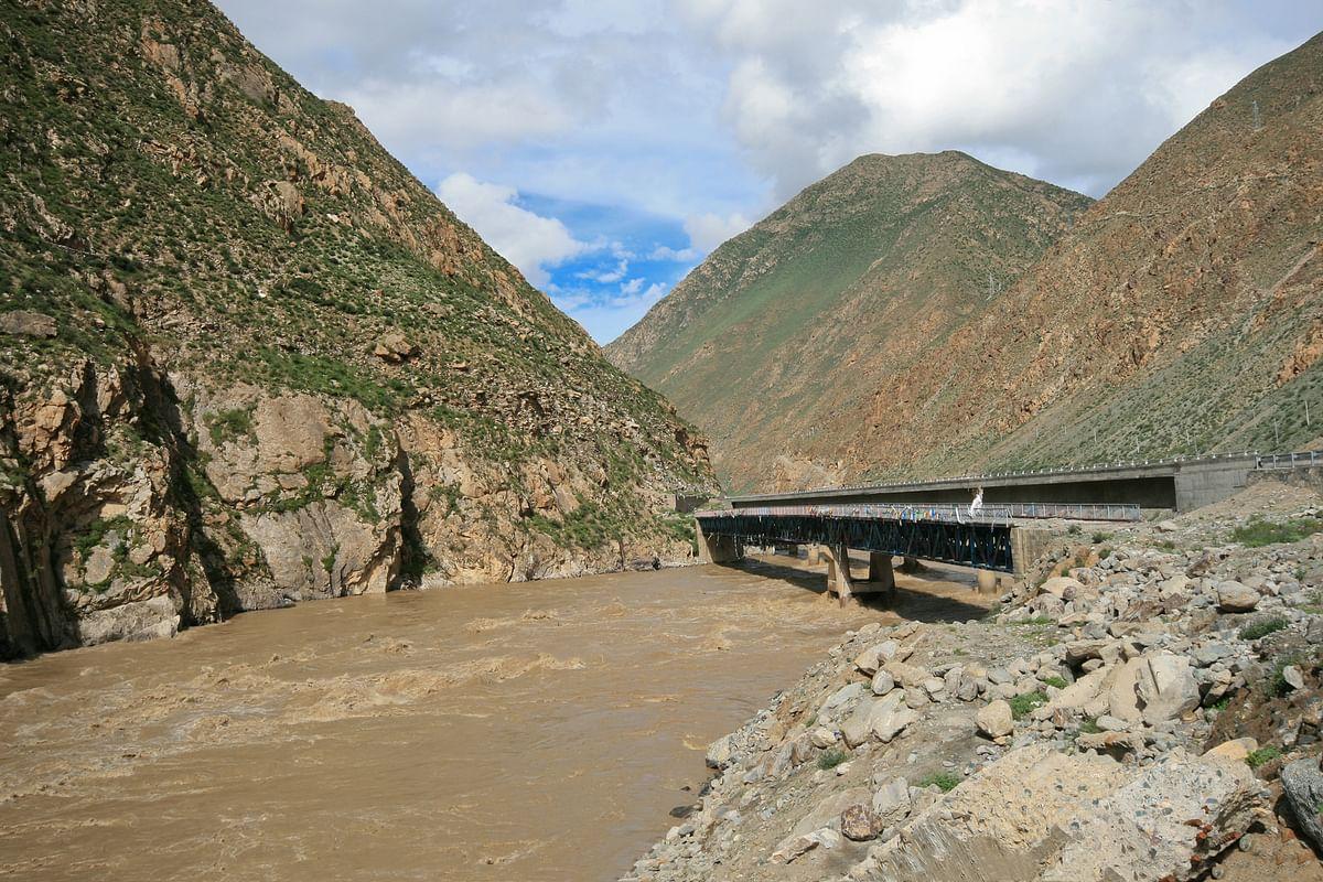 The Brahmaputra river in Nyingchi, Tibet. (Photo: iStock)