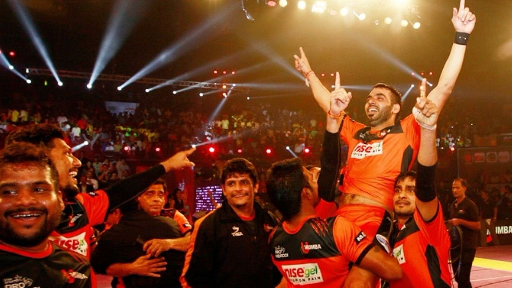 File photo of Anup Kumar celebrating a PKL victory with his team