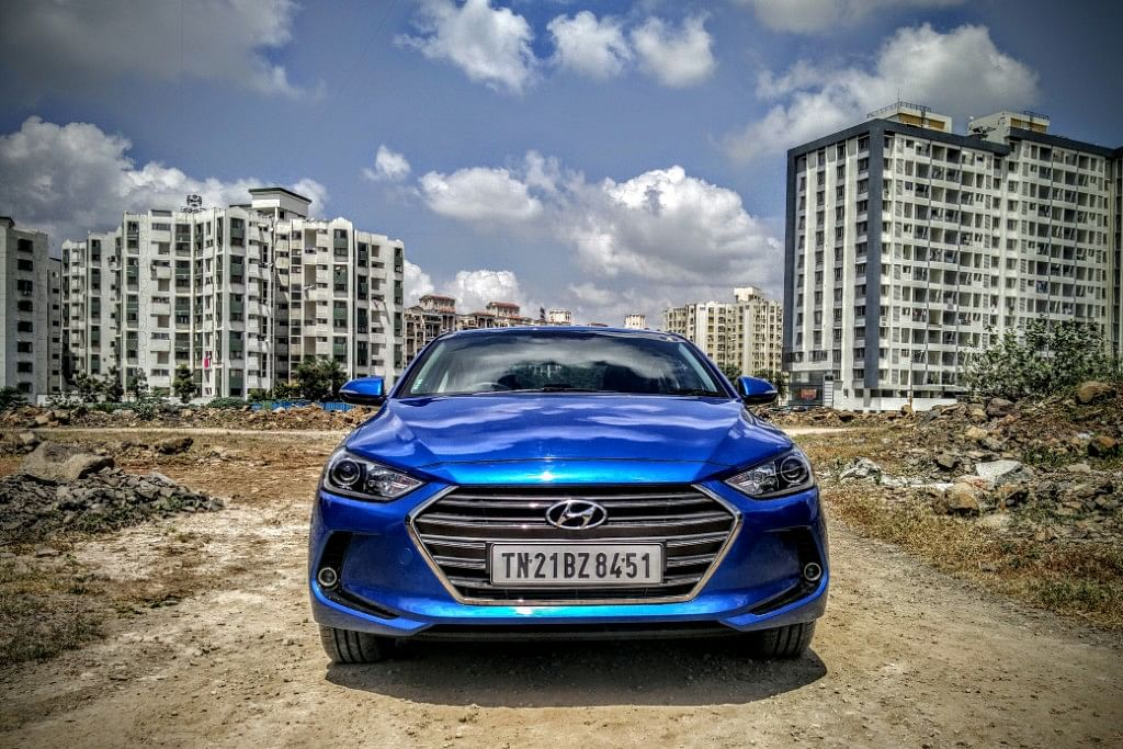 Bold front grille on the Hyundai Elantra 2016. (Photo Courtesy: Motorscribes)