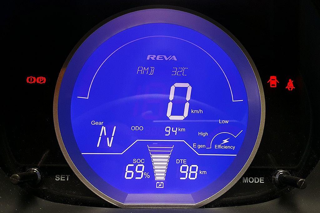 Instrument panel on the Mahindra e2o Plus tells us all. (Photo Courtesy: MotorScribes)