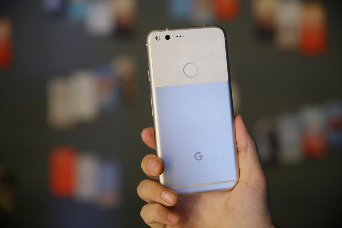 Google's newly-launched artificial intelligence-powered premium device Pixel is set to heavily impact Apple and Samsung devices in India. (Photo: AP)