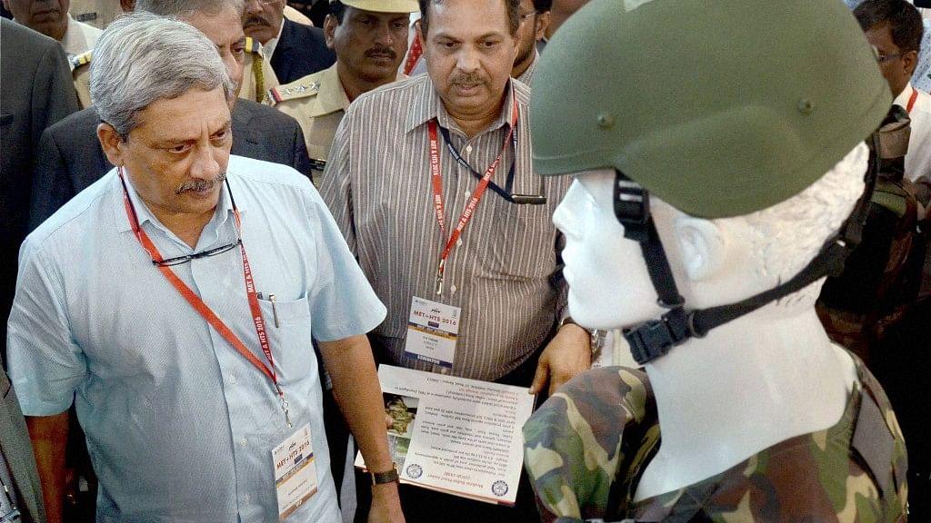Defence Minister Manohar Parrikar inaugurates MET + HTS 2016 Exhibition at CIDCO Exhibition Complex, Vashi, Navi Mumbai on Wednesday. (Photo: PTI)