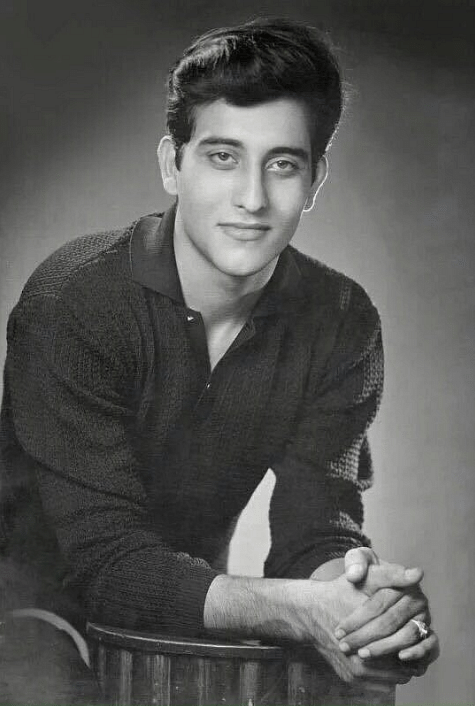 A rare photograph of a young Vinod Khanna. (Photo Courtesy: Twitter)
