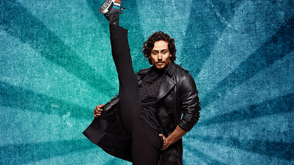 Tiger Shroff flexes his muscle, with swag in the new photoshoot (Design:Aaqib Raza Khan/<b>The Quint</b>)