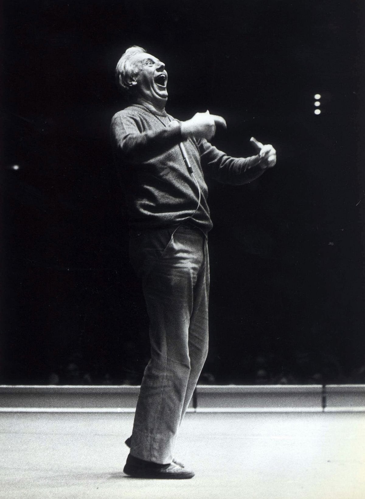 In this 14 March 1980 file photo, Italian playwright Dario Fo performs at Folkets Hus in Stockholm, Sweden. (Photo: AP)