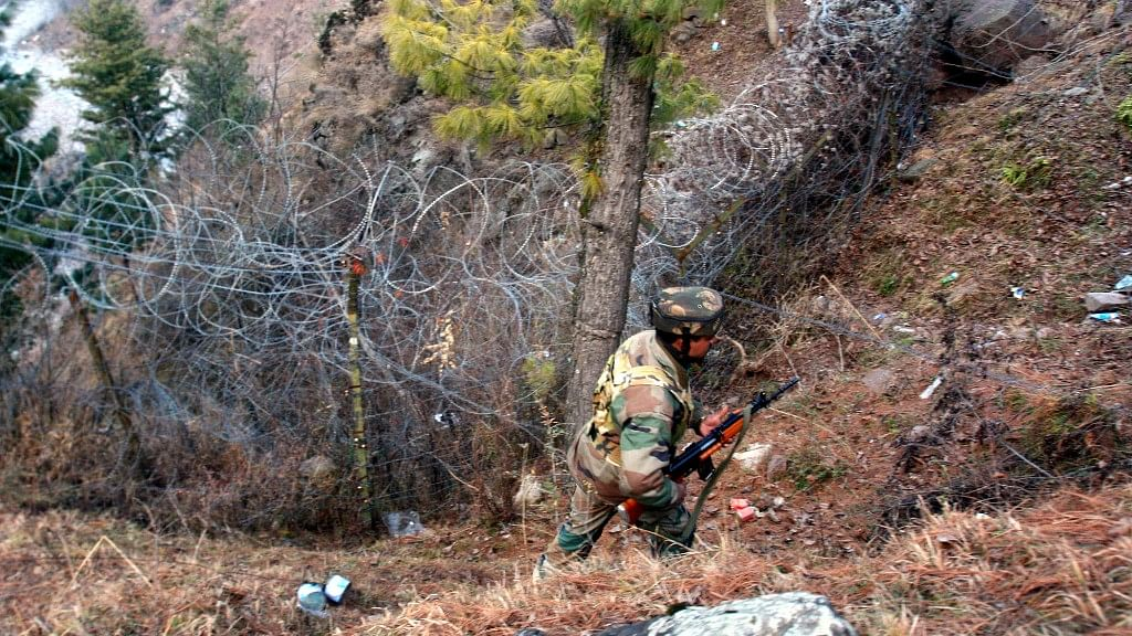Since the Uri attack and India's retaliation with surgical strikes, locals say the tension along the border has intensified. (Photo: Faisal Khan/ <b>The Quint</b>)