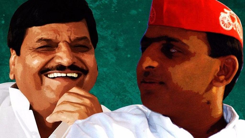 Shivpal Yadav and Akhilesh Yadav. (Photo: <b>The Quint</b>)