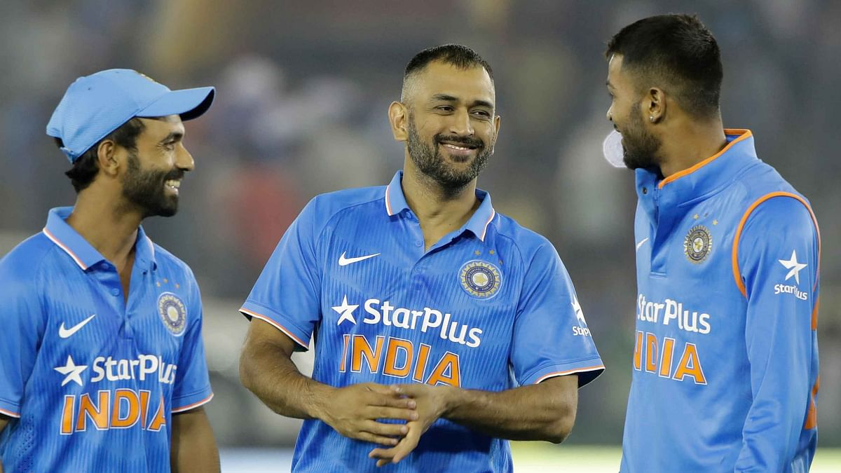 How Twitter Reacted to Dhoni's Historic 9,000 Runs in ODIs