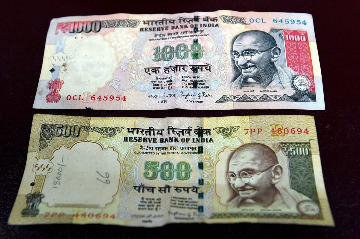 Rs 500 and Rs 1,000 notes were discontinued from the midnight of 8 November as a step to curb black money. (Photo: PTI)
