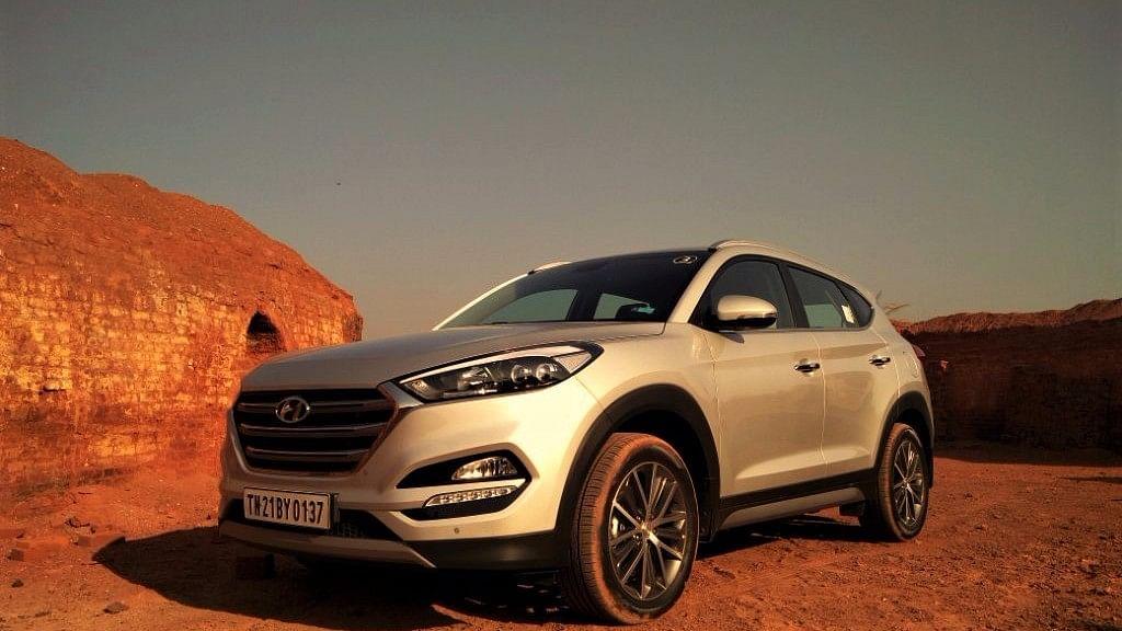 "The Tucson's design follows Hyundai's fluidic sculpture 2.0 design philosophy. (Photo Courtesy: <a href=""https://www.motorscribes.com/reviews/2016-hyundai-tucson-nu-2-0-diesel-gls-at-first-drive"">Motorscribes</a>)"