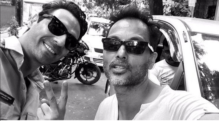 "Arjun Rampal and Sujoy Ghosh on the sets of<i> Kahaani 2</i>. (Photo Courtesy: <a href=""https://twitter.com/candogh360"">Twitter/@candogh360</a>)"