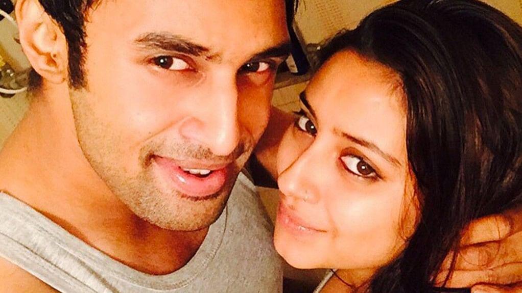 "Rahul Raj Singh and Pratyusha Banerjee in happier times. (Photo courtesy: <a href=""https://www.instagram.com/iamprats/?hl=en"">Instagram/@iamprats</a>)"