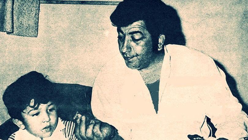 Amjad Khan with his son Shadaab Khan