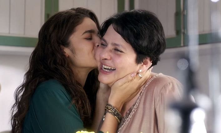 Alia Bhatt with her on-screen mother in a scene from <i>Dear Zindagi</i>. (Photo courtesy: YouTube/Red Chillies Entertainment)