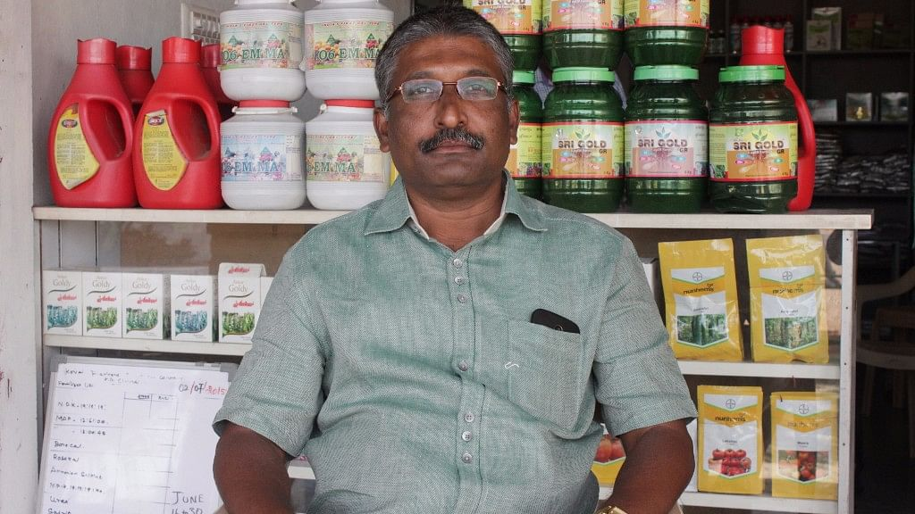 Senthil Kumar of Navakkarrai village in Tamil Nadu's Coimbatore district says sales have shrunk due to non-availability of lower denomination notes. (Photo: Vivian Fernandes/ <b>The Quint</b>)