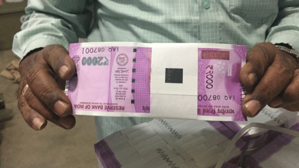 "Months before PM Modi scrapped the Rs 1,000 and Rs 500 notes, this photo of the new 2,000 rupee banknote fuelled rumours of impending monetisation. (Photo: Twitter/<a href=""https://twitter.com/kambojOffice/status/795134459037163520/photo/1?ref_src=twsrc%5Etfw"">@kambojOffice</a>)"