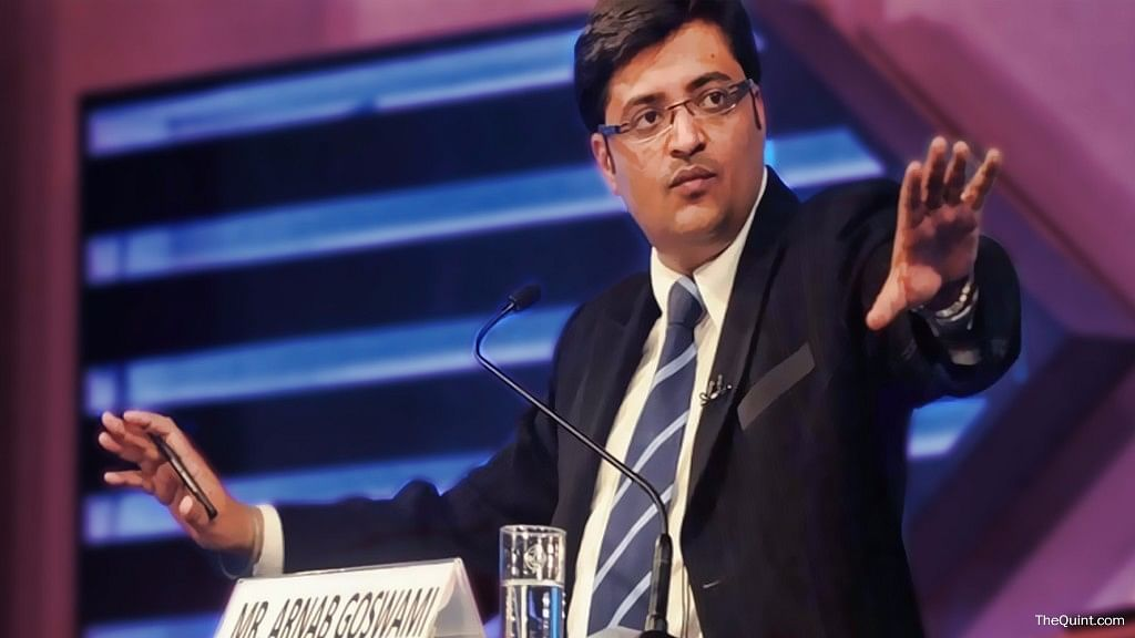 Arnab didn't deter from twisting facts even in one of his last prime time shows on Times Now. (Photo: <b>The Quint</b>)