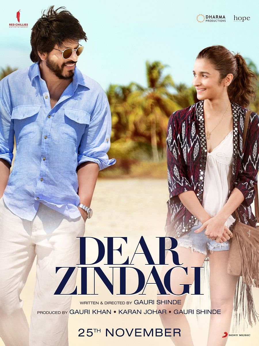SRK and Alia in a poster of <i>Dear Zindagi</i>.