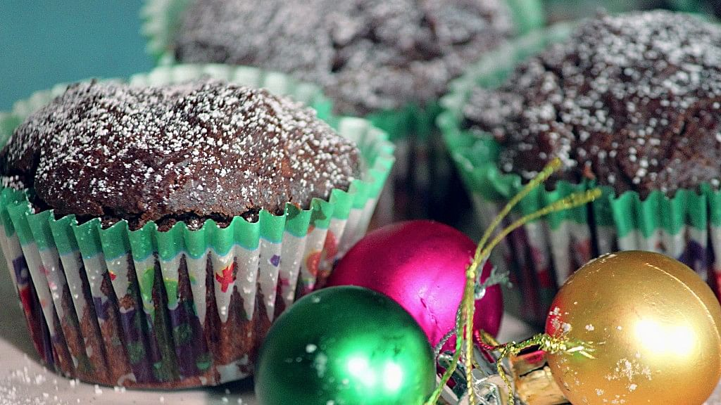 This Chocolate Lava Muffin Recipe Is Perfect For Christmas
