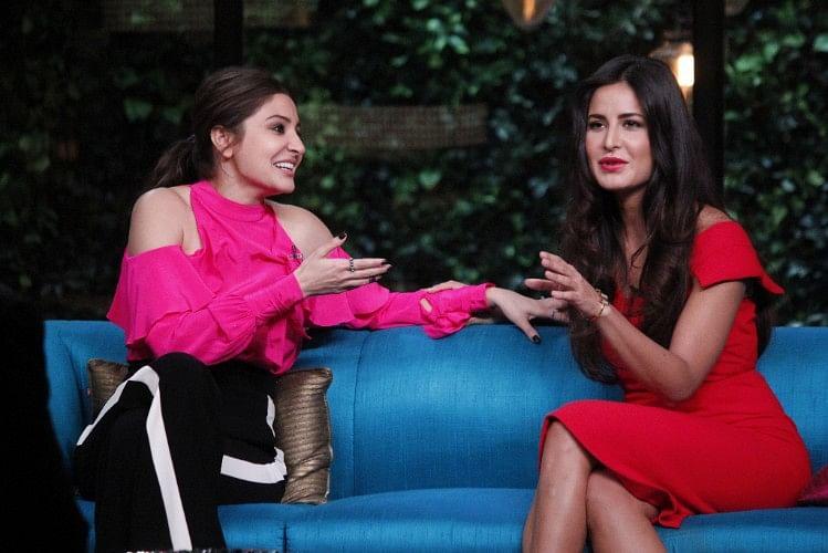 Anushka Sharma and Katrina Kaif have a ball on the couch. (Photo courtesy: Star World)