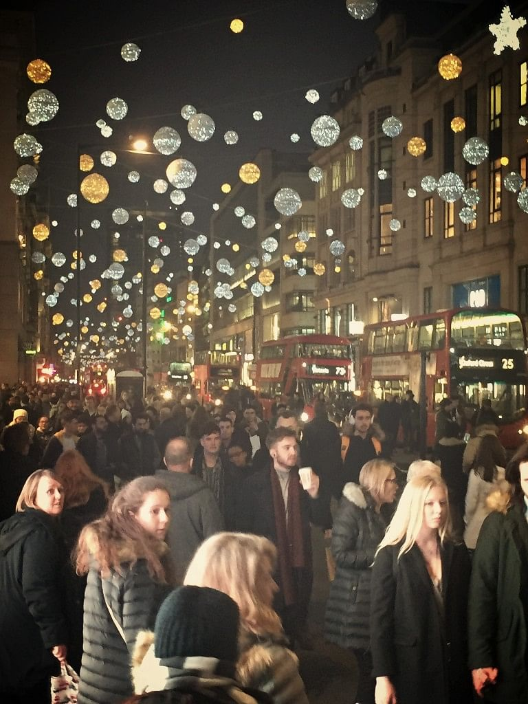 While revellers flood London streets on Christmas, hundreds of homeless people go hungry on these very streets. (Photo Courtesy: Ishleen Kaur)