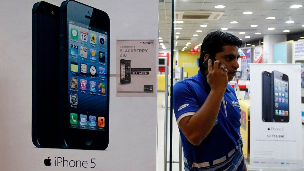 Could 2017 be the year when Apple finally starts  assembling in India? (Photo: Reuters)