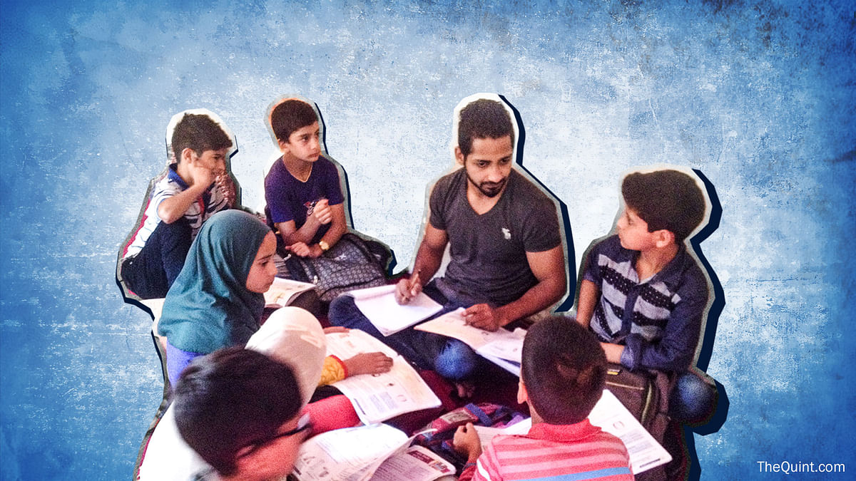 Voluntary tuition in Kashmir, known as 'curfew classes' help students cope with exam pressure. (Photo: <b>The Quint</b>)