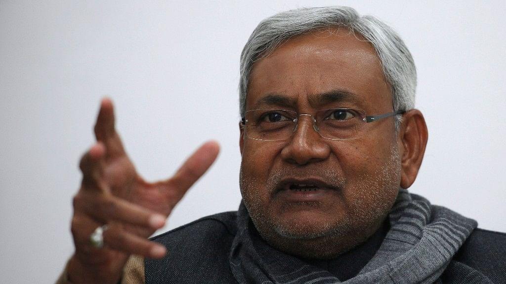 Nitish Tells Party Demonetization Is Good, Sharad Yadav Differs