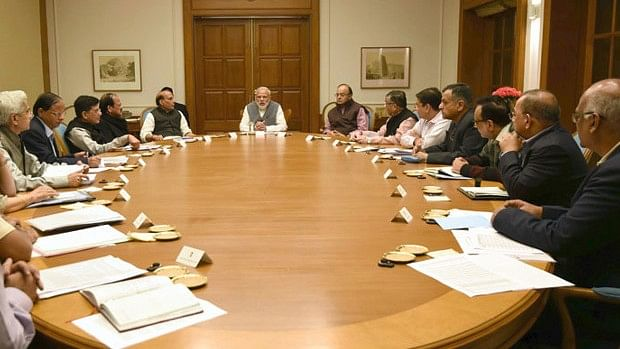 Prime Minister Narendra Modi chairs a meeting on demonetisation on 13 November. (Photo Courtesy: IndiaSpend)