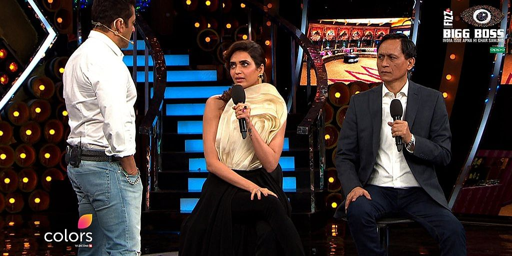 Karishma Tanna and Dibang share their views about the contestants with Salman. (Photo courtesy: Colors)