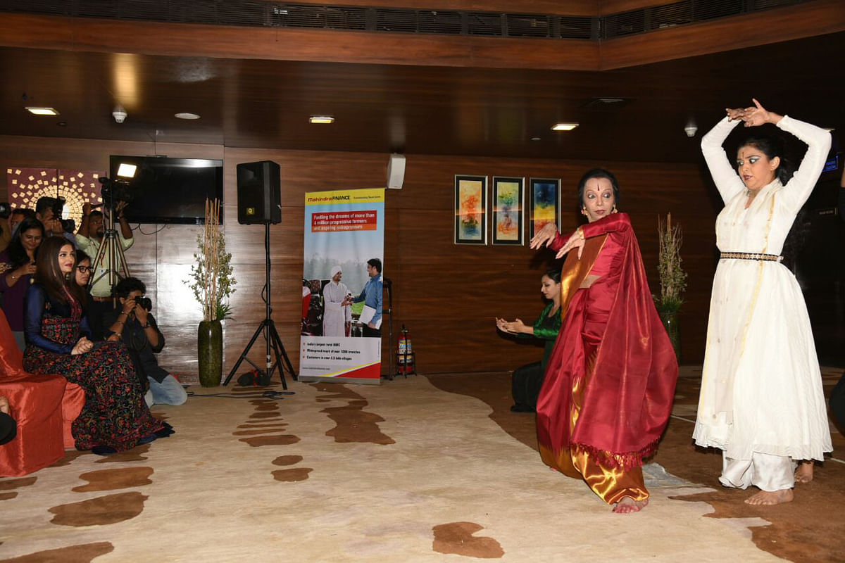 Lata Surendra dedicates her performance to her former student Aishwarya Rai Bachchan. (Photo: Yogen Shah)