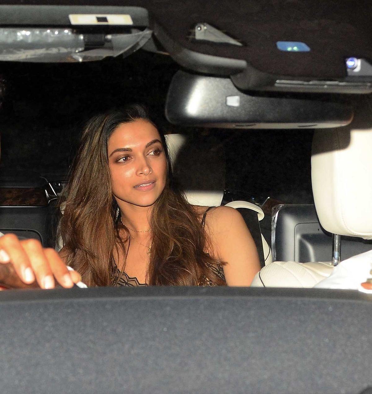 Deepika Padukone drives in to catch <i>Befikre. </i>(Photo: Yogen Shah)