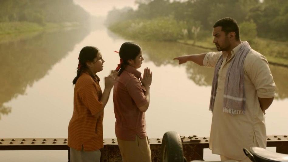 Aamir Khan's <i>Dangal</i> dodges demonetisation. (Photo Courtesy: YouTube Screenshot)