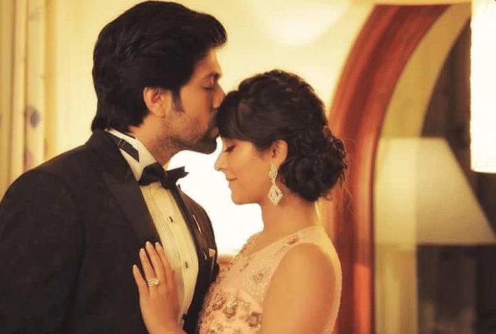 "Yash and Radhika Pandit (Photo Courtesy: Twitter/<a href=""https://twitter.com/NimmaRPFC"">RadhikaPandit</a>)"
