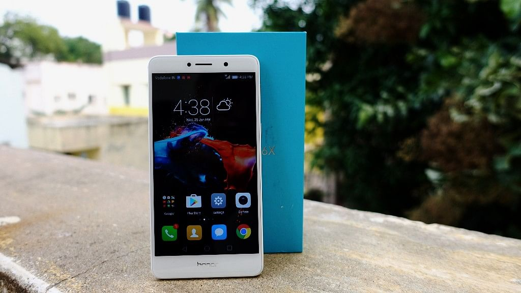 """Does the Honor 6X live up to its budget dual-camera phone billing? (Photo: <b>The Quint</b>/<a href=""""https://twitter.com/2shar"""">@2shar</a>)"""