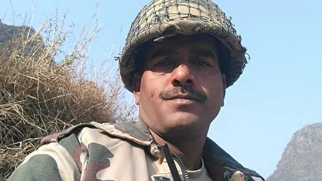 "BSF Jawan Tej Bahadur Yadav. (Photo Courtesy: Facebook/<a href=""https://www.facebook.com/rohitkumar.yadav.75457"">@Tej Bahadur Yadav</a>)"