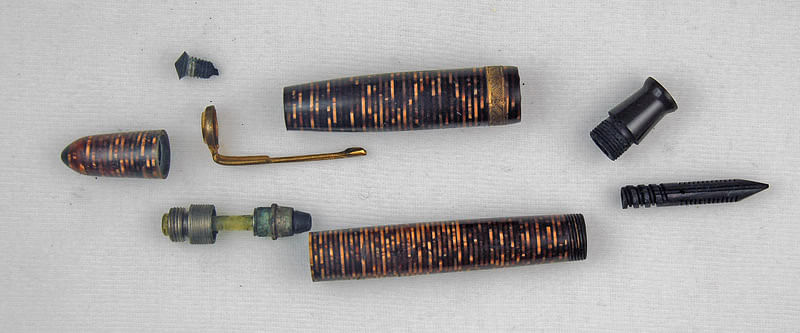 """A Wilson 'Vacumatic' from the 40s, much like Ambedkar's pen, down to its components. (Photo courtesy: <a href=""""https://munsonpens.wordpress.com/2009/02/09/imitation-is-the-sincerest-form-of-flattery-wilson-pen-company/"""">Munson Pens' Blog</a>)"""