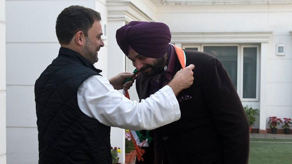 Congress Vice-President Rahul Gandhi (left) and Navjot Singh Sidhu (right).