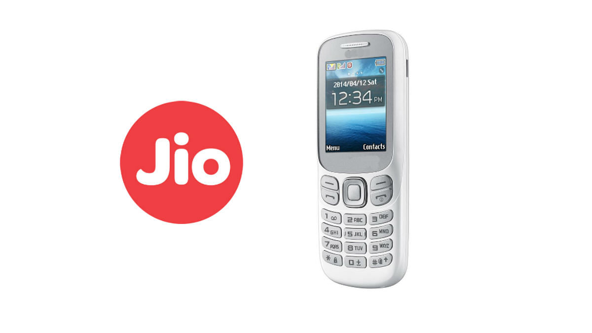 Reliance set to disrupt the mobile segment with a 4G-enabled feature phone? (Photo: <b>The Quint</b>)